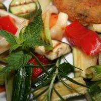 Popečena zelenjava na žaru